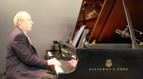 pianist at quarantine concert