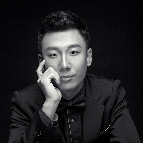 Bowen Li headshot