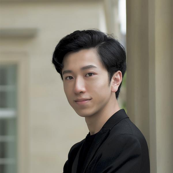 Ziyu Liu headshot