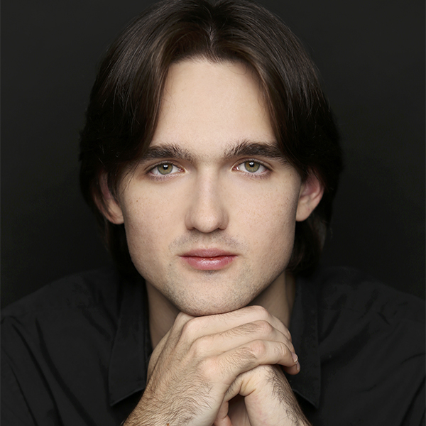 Philipp Lynov headshot