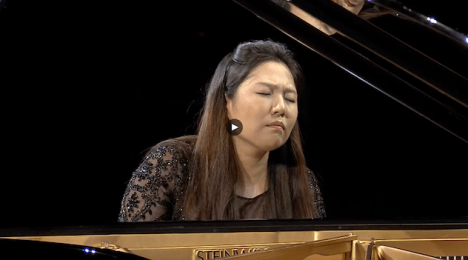 contestant playing the piano semi-final round session 2